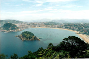 Outdoor guide tour San Sebastian